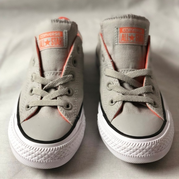 Chuck Taylor All Star Madison Low Top Sneaker. NWT